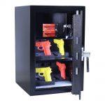 rottner-kurzwaffentresor-kwt-65-en-1-it-elektronikschloss-t06361_inhalt-waffenhalter10-2